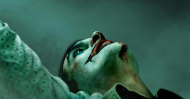 Joker – La recensione del dramma che si nasconde dietro al riso