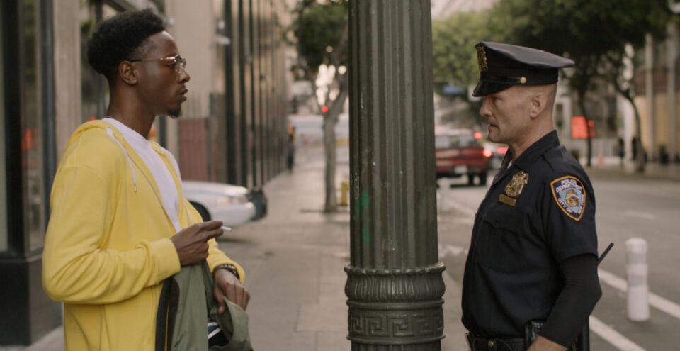 Due estranei - Recensione del cortometraggio di Martin Desmond Roe -  Oscar 2021 come miglior cortometraggio[NETFLIX]